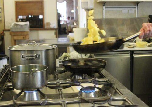 Travlhed i køkkenet
